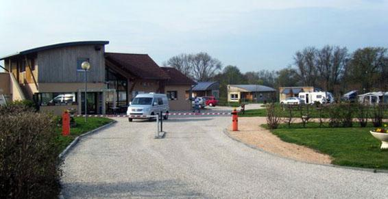 Camping Le Hameau des Champs in Cormatin (71)